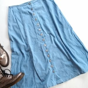 Vintage • button front denim A-line midi skirt